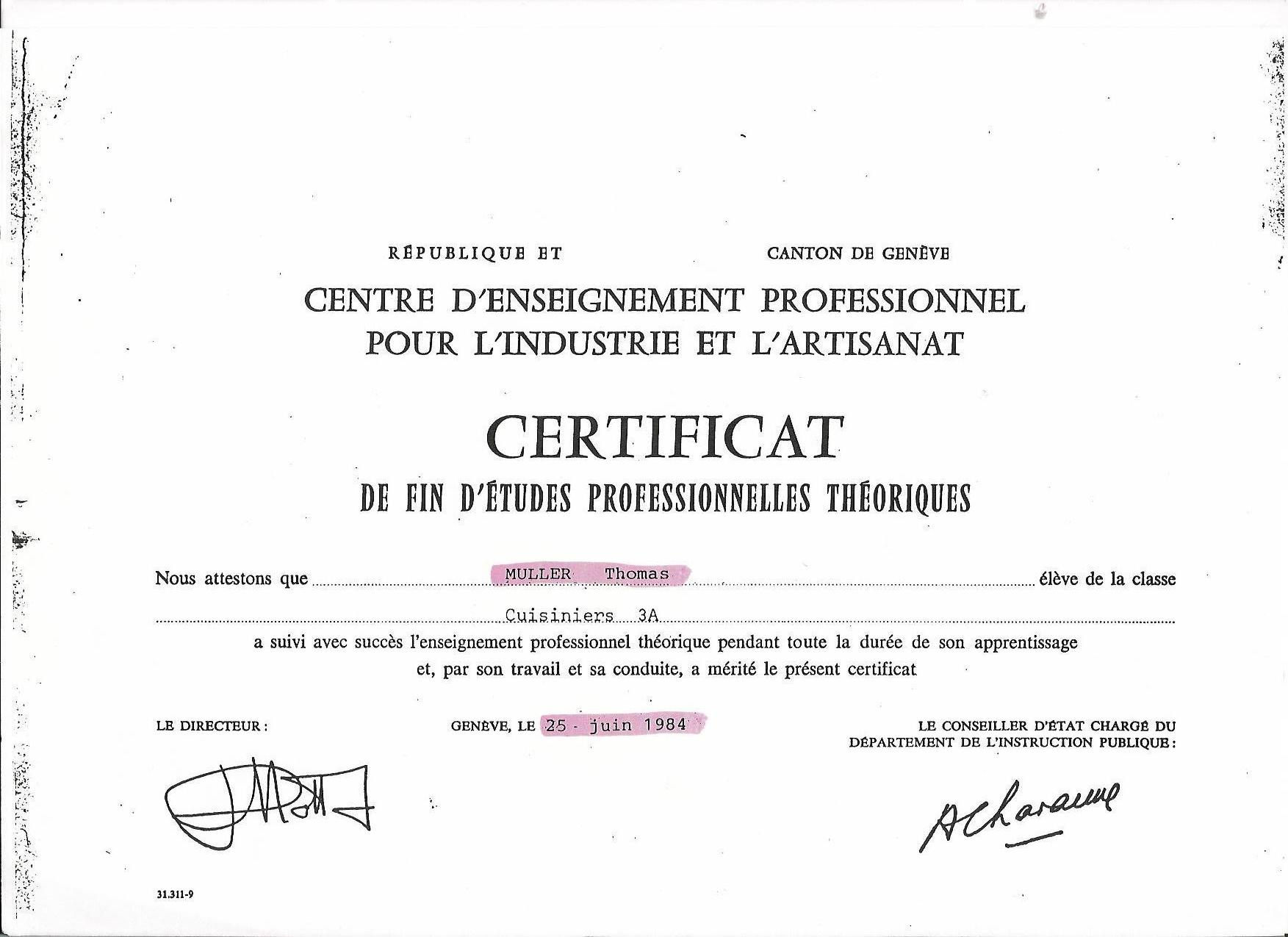 Thomas mller copy of certificats and diplomes certificate hotel management school yelopaper Images